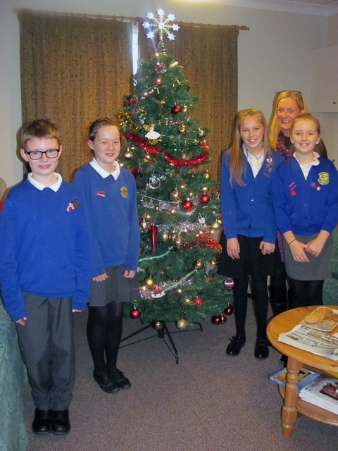 Pupils from Spooner Row School help out local Star Throwers Charity